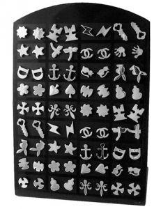 espositore 36 coppie di orecchini in acciaio