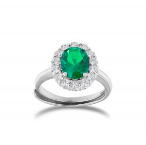 Anello royal con pietra verde ovale e cornice di zirconi